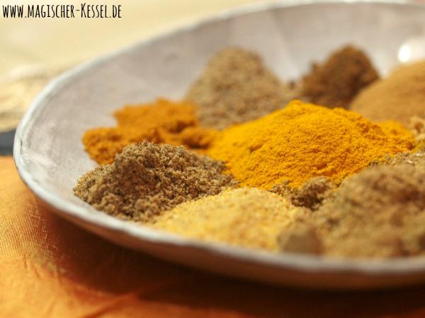 Gemahlene Gewürze für Curry