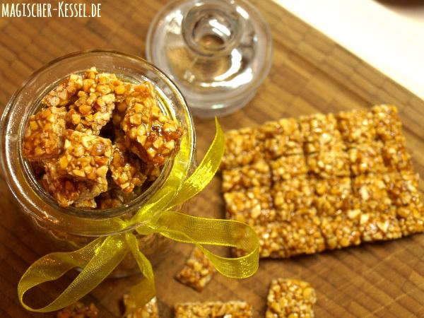 Selbstgemachte Süßigkeit: Karamellisierte Mandeln