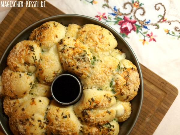 Rezept für Pull-Apart-Bread mit Mozzarella und Parmesan