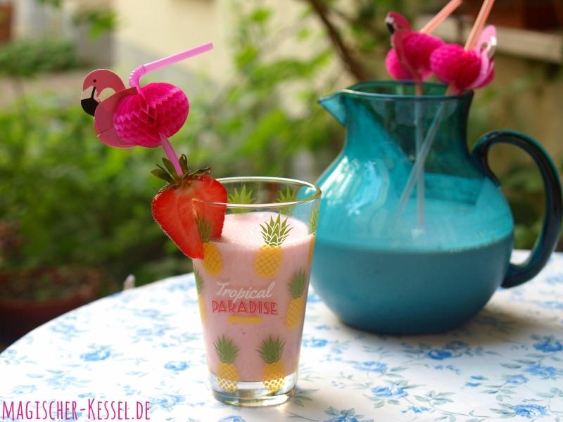 Erdbeer-Lassi mit Kardamom - ein erfrischender Sommerdrink