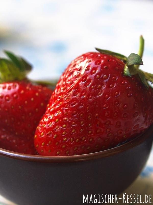 Heimische Erdbeeren für den Erdbeer-Milchshake