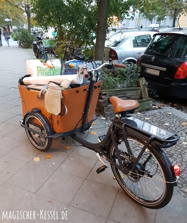 Vollgepacktes Lastenrad nach dem WollWechsel