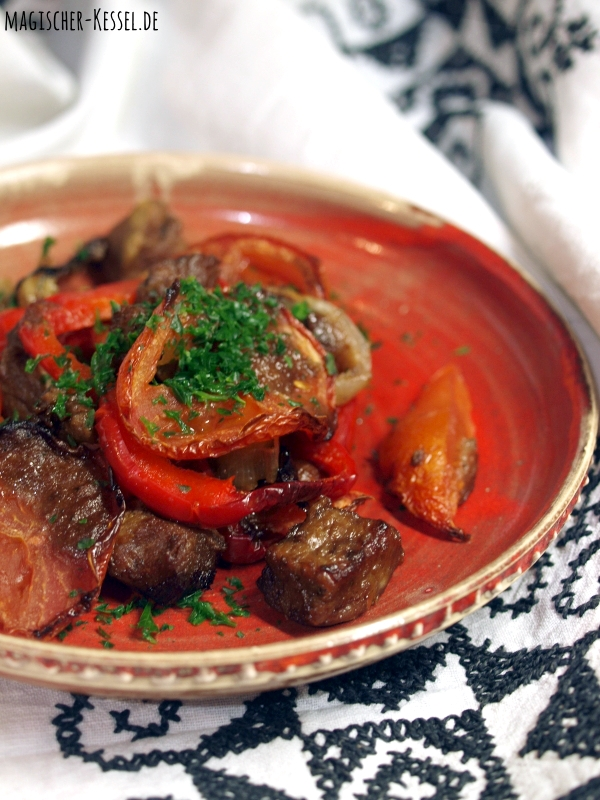 Tepsi Badinjan - ein Rezept für irakisches Ofengemüse mit Aubergine und Lammfleisch