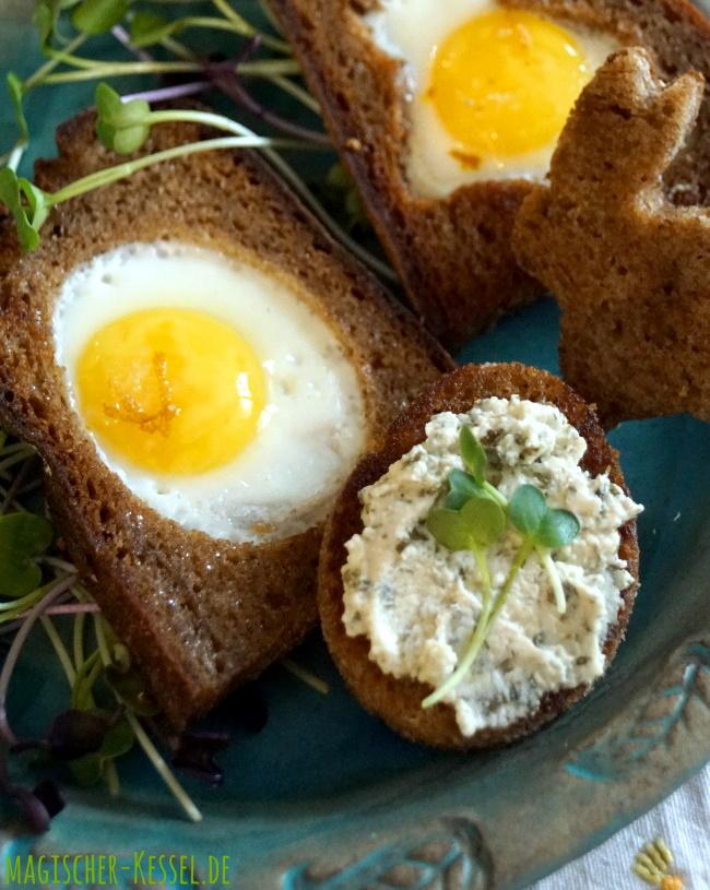 Osterfrühstück / Familienfrühstück: Spiegeleier aus Wacheleiern, gebacken im Brotloch